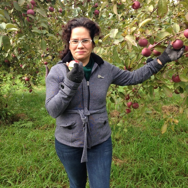 Apple Picking: A Fun Fall Activity for Kids & Families: Taking a Selfie!