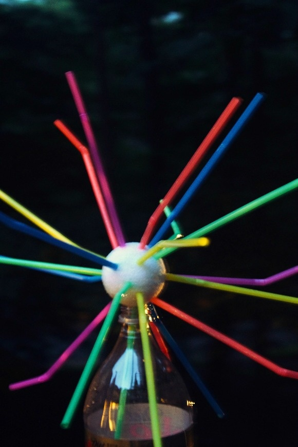 4th of July Craft for Kids: Glow-in-the-Dark Straw Fireworks at Night