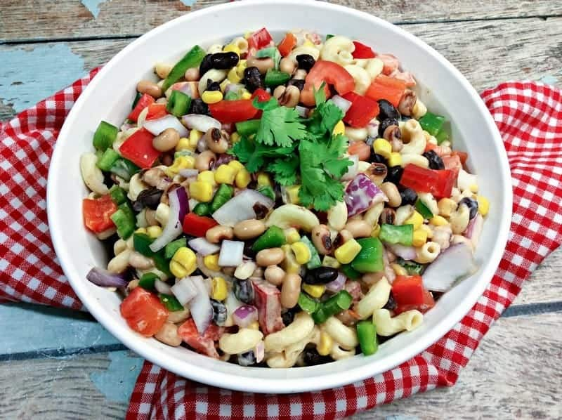 Planning the ultimate end of summer picnic? Spice things up with our easy and creamy 3-step chipotle ranch pasta salad recipe!