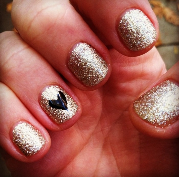 7 Fab DIY Nail Art Ideas For New Year's
