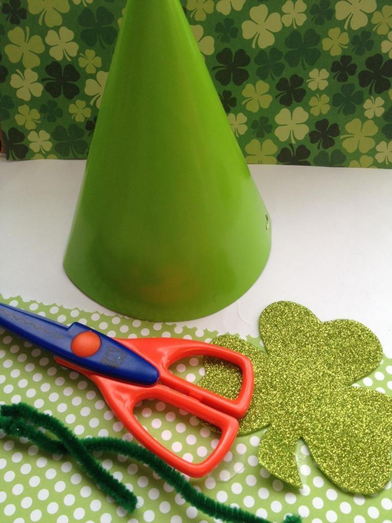 Leprechaun Craft for Kids: DIY Leprechaun Hat