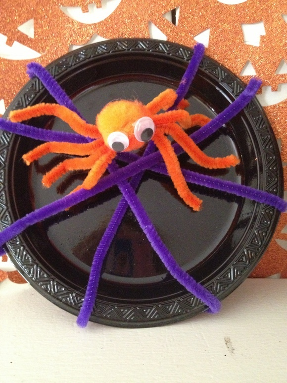 Halloween Crafts for Kids: Creepy Pipe Cleaner Spider