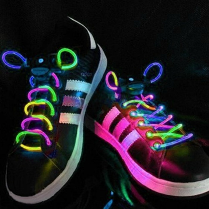Fourth Of July Glow Party Ideas For Teens: Glow Shoe Laces