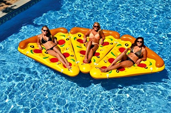 Summer Pool Party Ideas: Pizza Pool Float