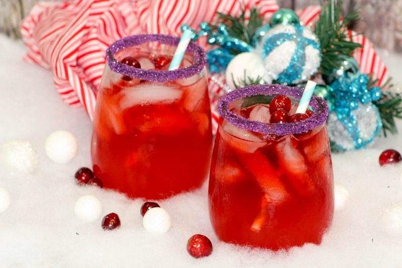 Ring in the new year with a smashingly successful party that includes this tasty rockin' New Year's Eve Mocktail recipe!