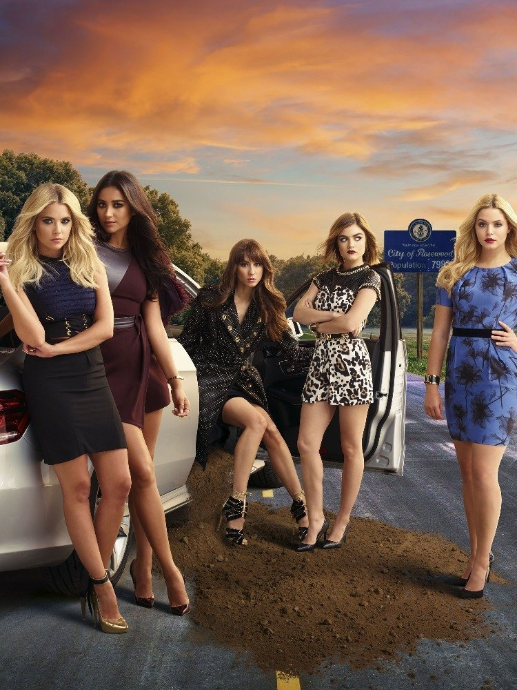 In case you need a refresher on who is who in the town of Rosewood, here is the Season 6 main cast of Pretty Little Liars.