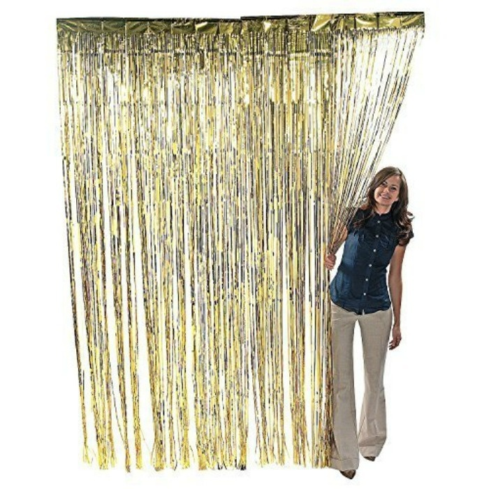 Roaring 20s Prom Night Party Ideas: Foil Curtain Decoration